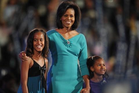 Maila and Sasha Obama with Michelle Obama