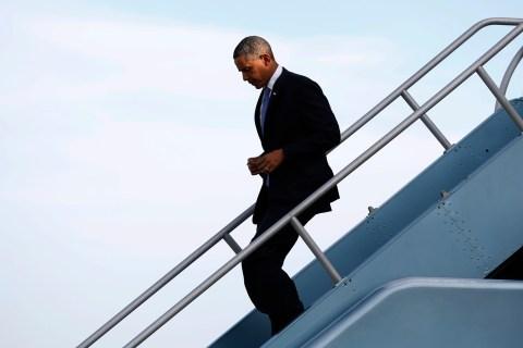 Obama arrives in San Francisco for Democratic fund raising