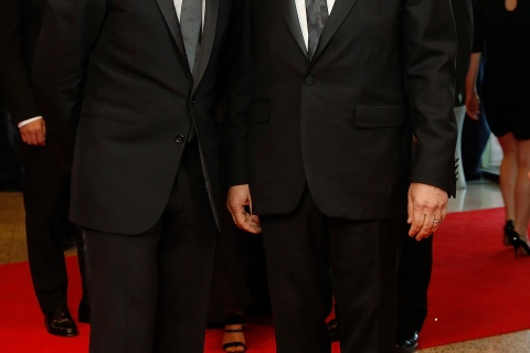 DreamWorks Animation CEO Katzenberg (L) and film director Spielberg arrive on the red carpet at the annual White House Correspondents' Association dinner in Washington